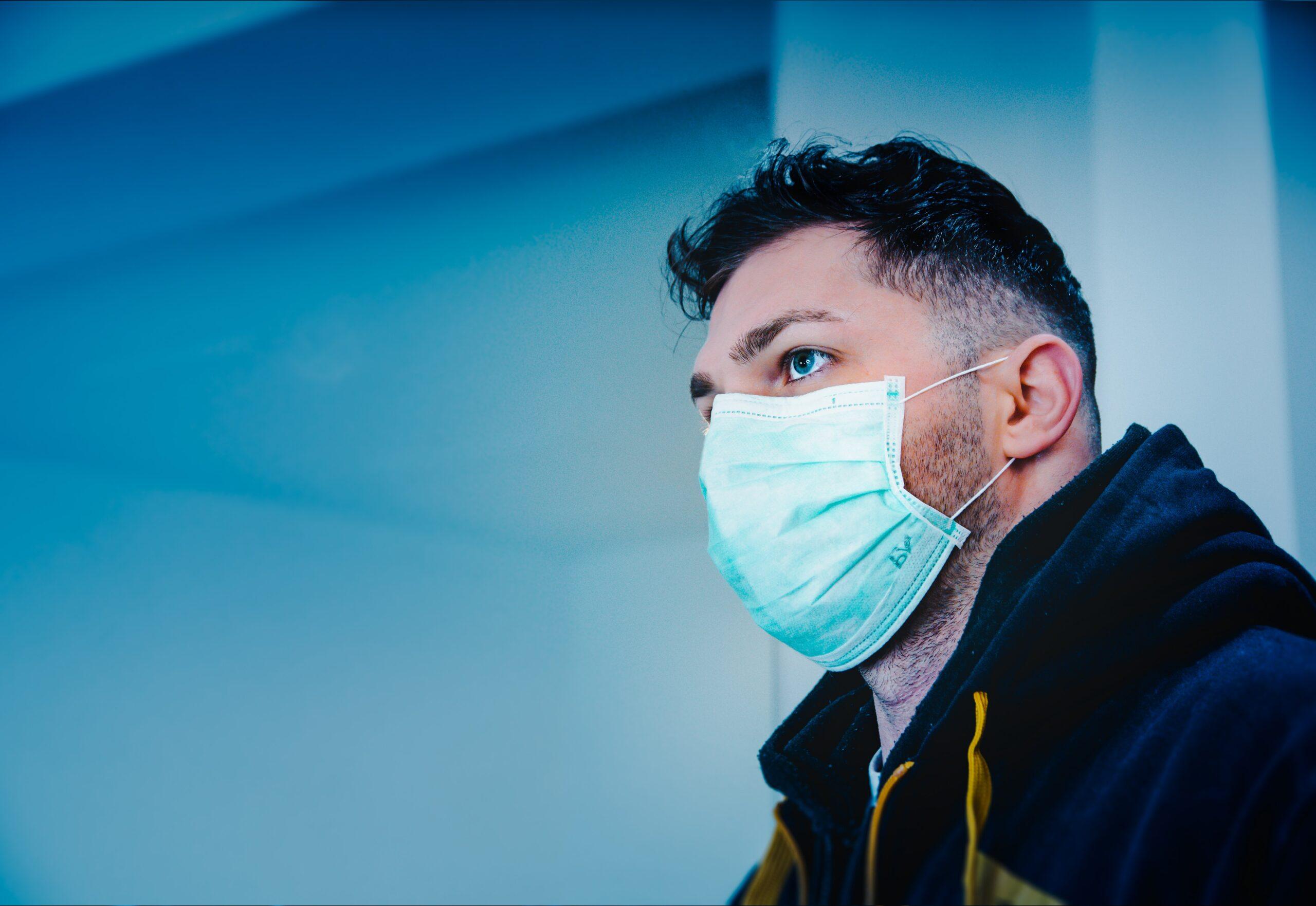 Irwin entrega máscaras descartáveis para funcionários e familiares