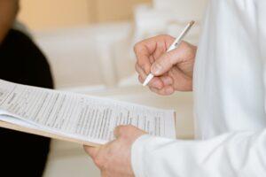 Existe limite de atestados médicos por cada funcionário?